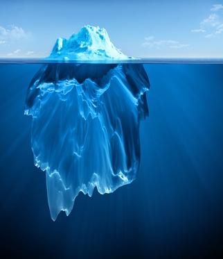 Eisberg: 10 % über Wasser sichtbar, 90 % unter Wasser